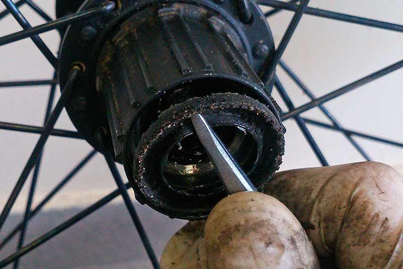 9. Извлеките пыльник из барабана.
