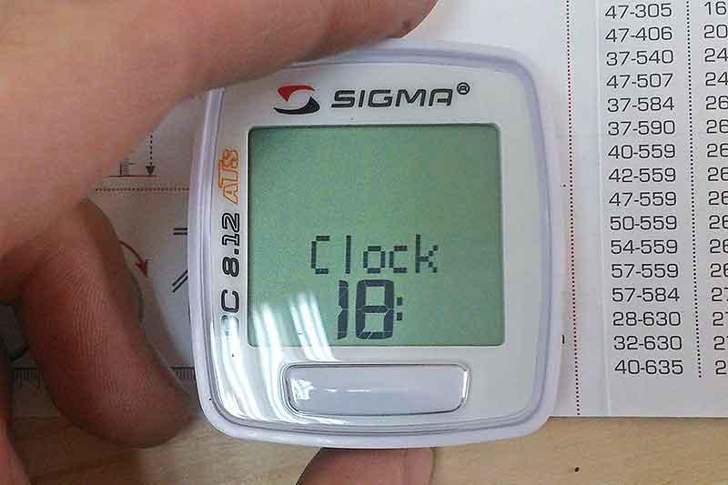 """14. Установите время, кнопкой """"set"""" выбираем столбец, кнопкой меню устанавливаем время."""